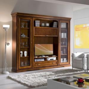 Soggiorno Classico con vano TV e ampie vetrine laterali